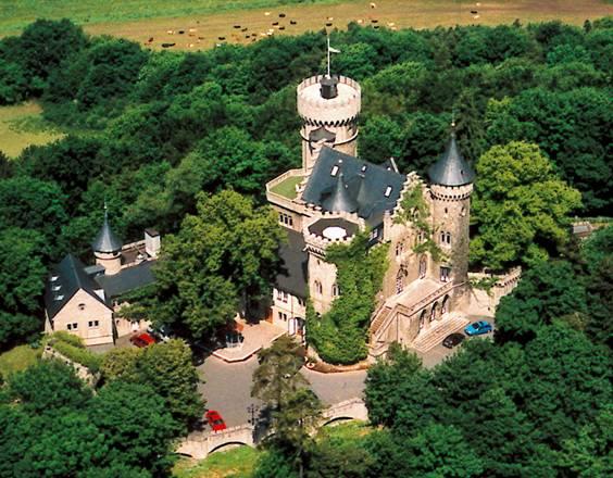 Эксклюзивный Замок - гостиница 4*  в восточной Германии