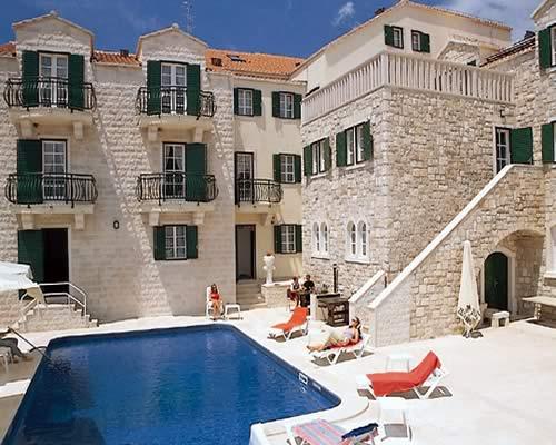 Отель в Хорватии, на острове Брач