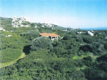 Продажа земельного участка в Италии на Сардинии, у моря, с 10 построенными виллами