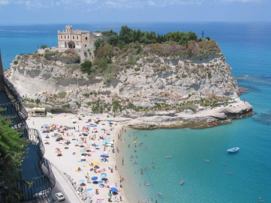 Отель на Юге Италии, район Калабрия, область Реджо Калабрия