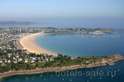 Гостиница в регионе Бретань во Франции, в 200 метрах от пляжа
