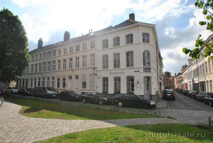 Красивый ресторан в сказочном Брюгге, Бельгия
