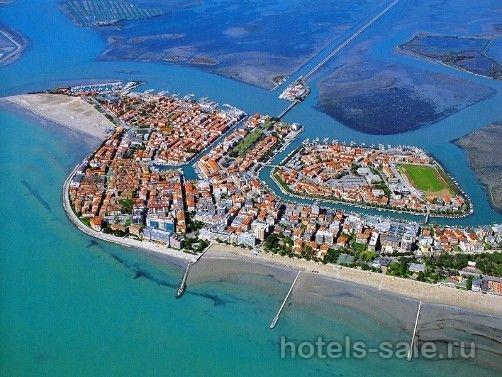 Остров в Средиземном море в Италии.