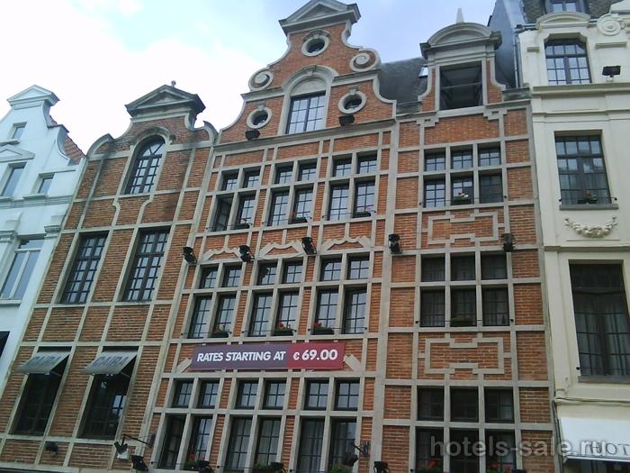 Гостиница в самом центре Брюсселя, почти на Гран Пласе.