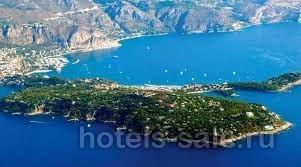 Редчайшее предложение - небольшая гостиница на Кап Ферра, острове миллиардеров во Франции на Лазурном берегу.