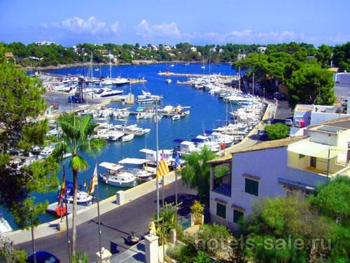 На острове Майорка, Испания, Балеарские острова, в районе Портопетро продается гостиница