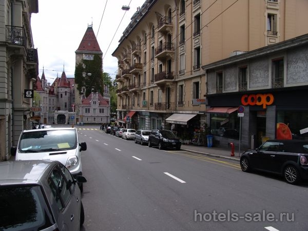 В Лозанне, Швейцария, в самом престижном районе Уши, возле озера, продается коммерческая площадь, сданная в аренду.